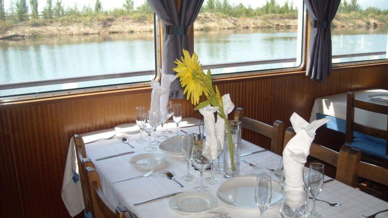 Vaixell Restaurant Santa Susana